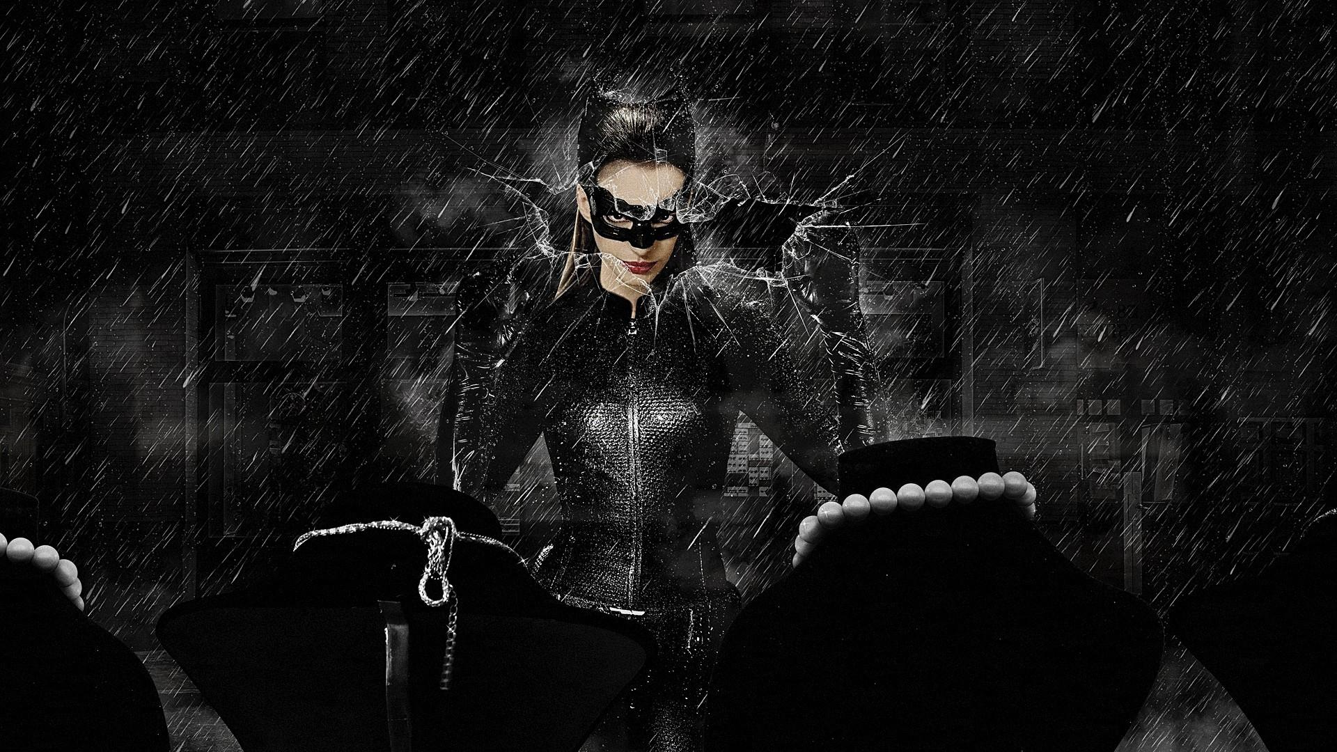 Anne Hathaway - Catwoman Wallpaper - 2