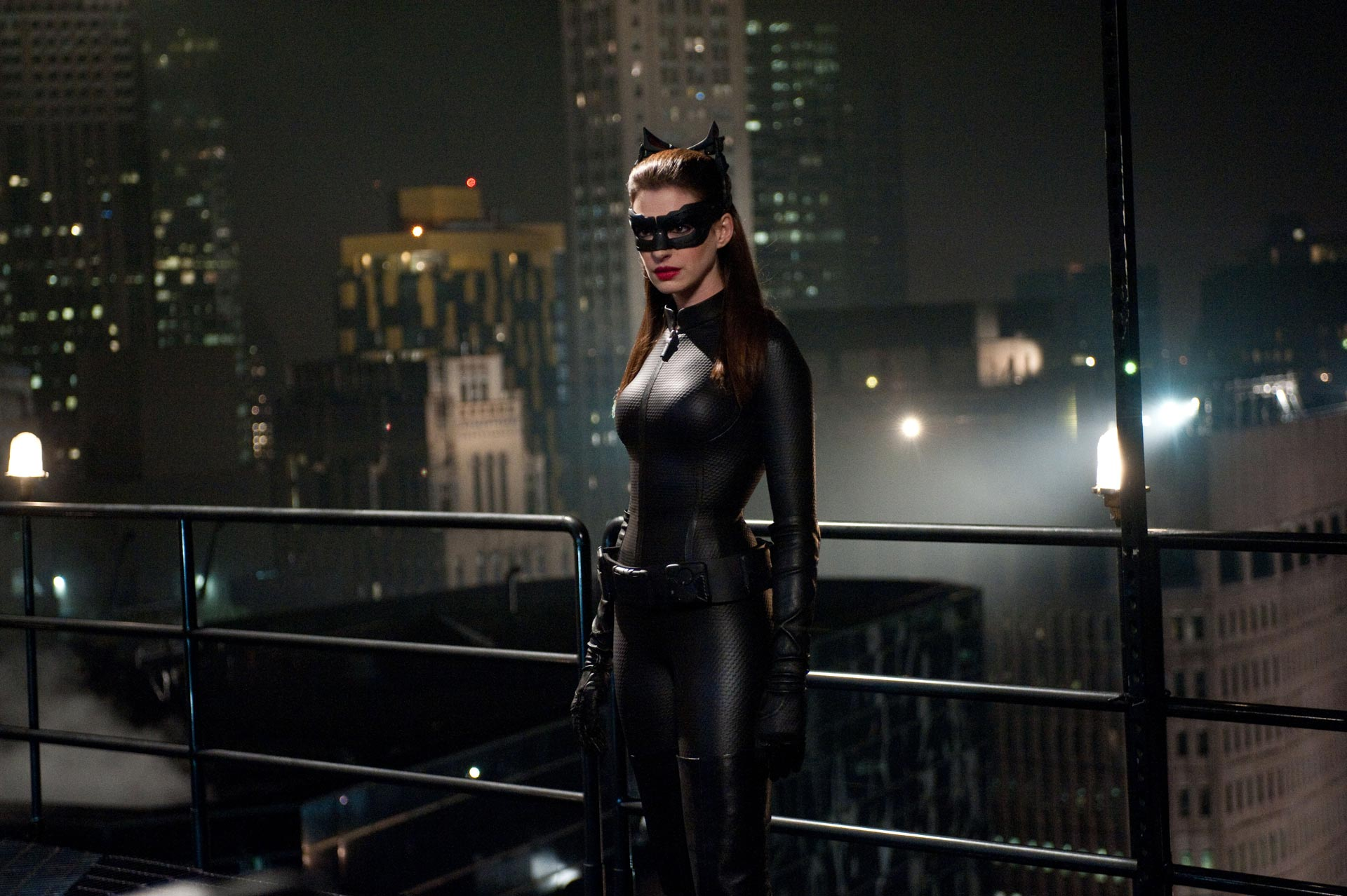 Anne Hathaway - Catwoman Wallpaper - 5