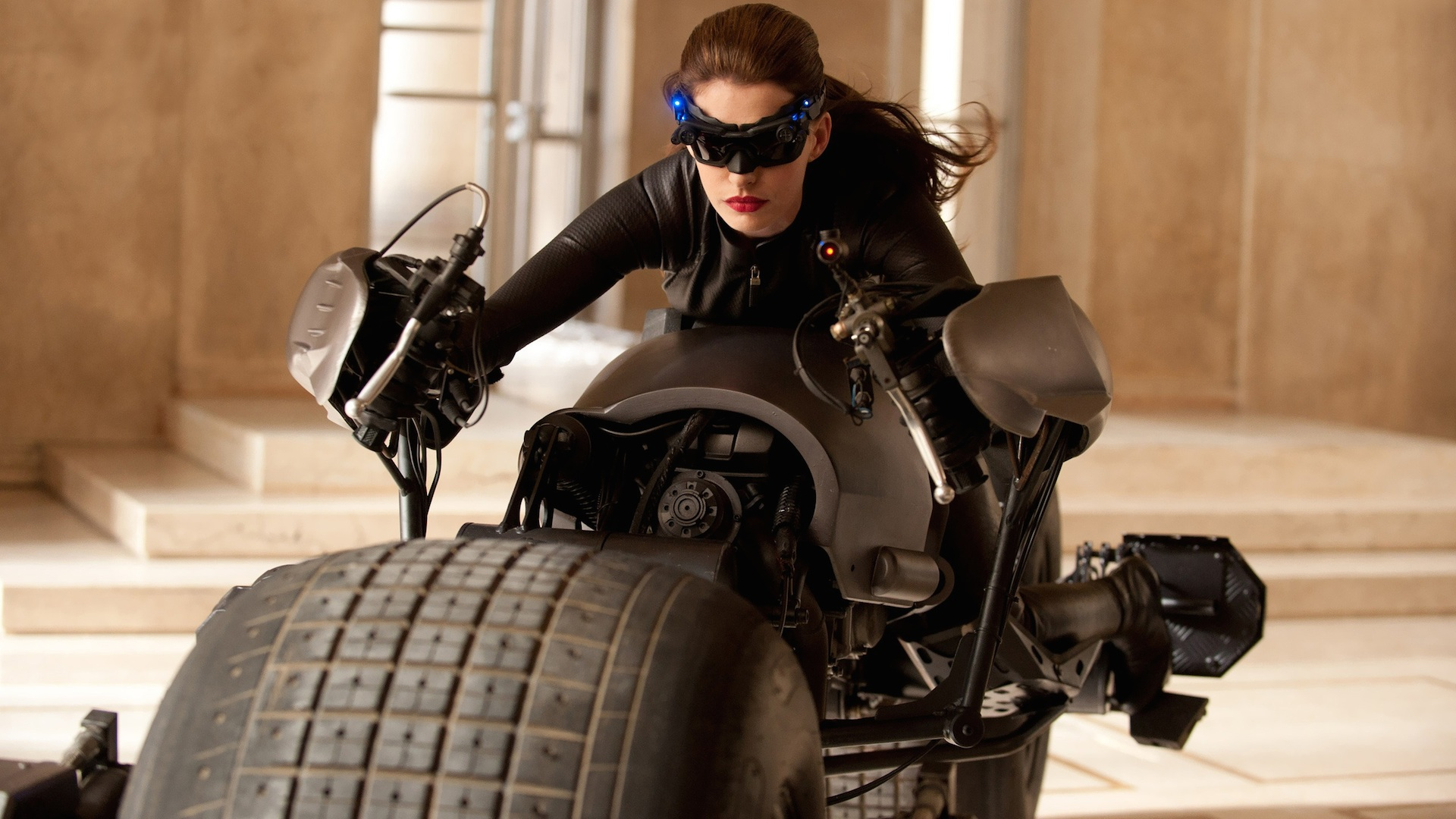 Anne Hathaway - Catwoman Wallpaper - 9