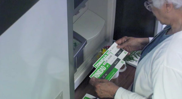 TD Bank Set Up a 'Thank You' ATM To Reward Its Customers In The Most Heartwarming Way