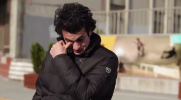 Strangers Used Sign Language To Make His Day Easier, His Final Reaction Was Priceless