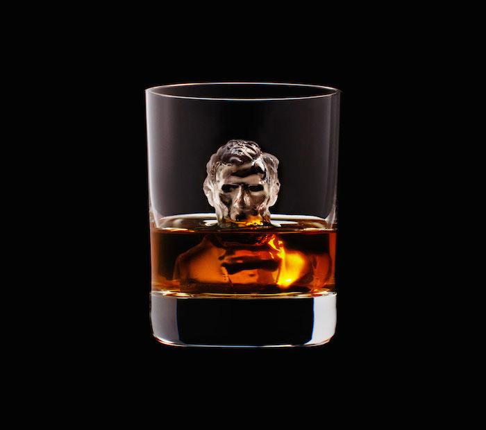 Suntory Whisky - 3D On The Rocks - Lincoln