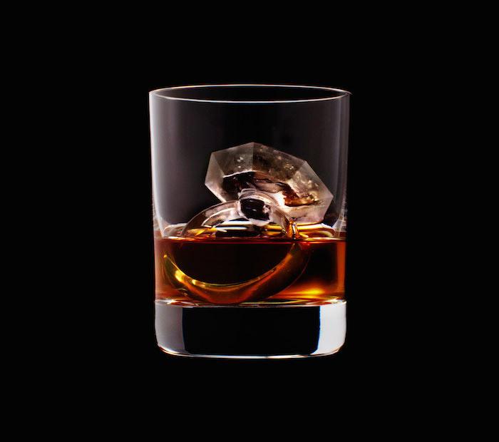 Suntory Whisky - 3D On The Rocks - Ring