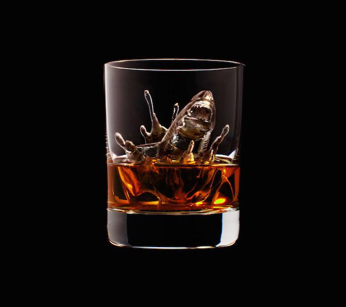 Suntory Whisky - 3D On The Rocks - Shark
