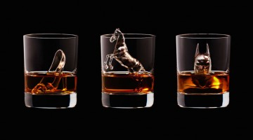 suntory-whisky-3d-on-the-rocks-ice-cubes