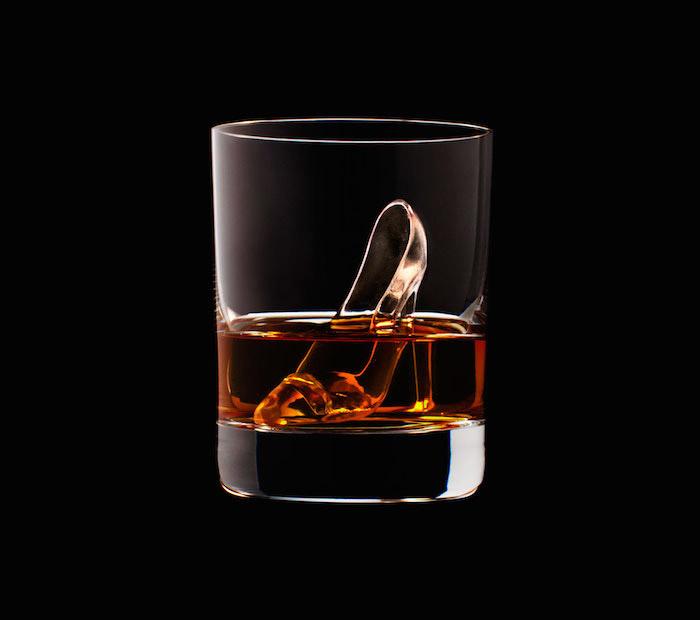 Suntory Whisky - 3D On The Rocks - Shoe