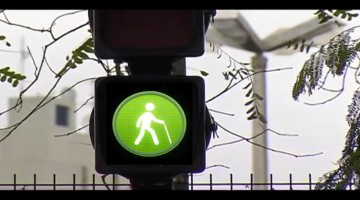 This Genius Device Makes It Easier For Elderly And Disabled People To Cross The Road