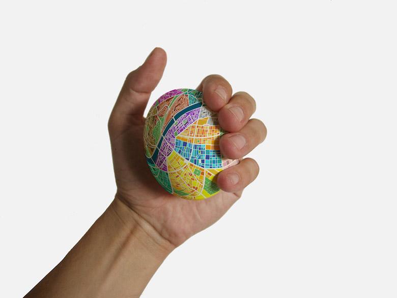 egg-map-stress-ball-denes-sator-1