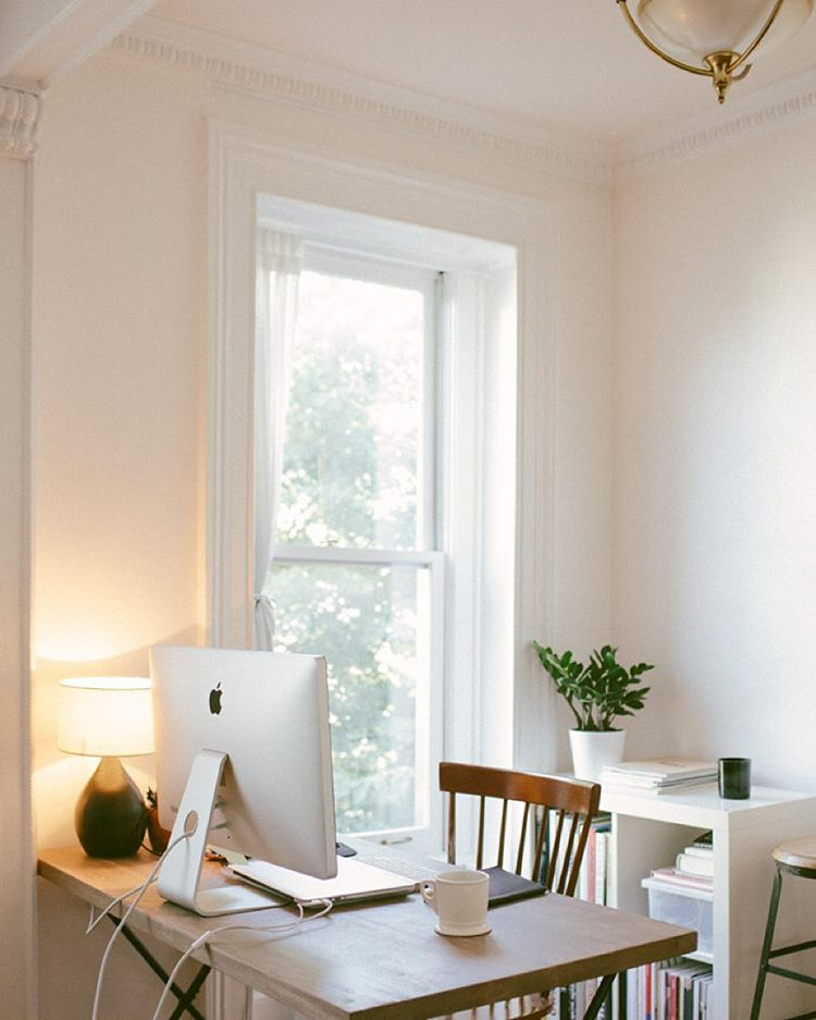 Beautiful, minimal desks and workstations - 15