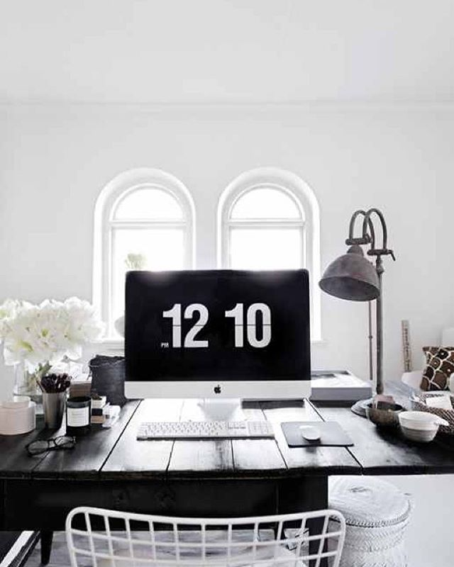 Beautiful, minimal desks and workstations - 32