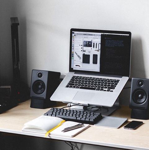Beautiful, minimal desks and workstations - 34