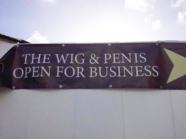 Funny letter-spacing / kerning fails - Wig & Pen