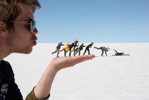 Forced perspective, perfectly timed photos taken at a creative-angle - 34