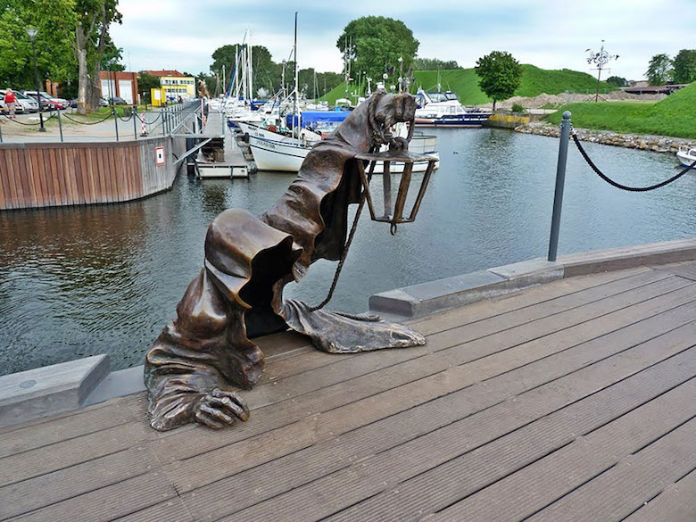 Most creative, beautiful modern statues and sculptures - 9a