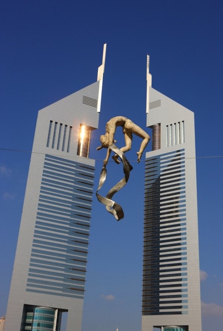 Sculptures that defy gravity & the laws of physics - 10