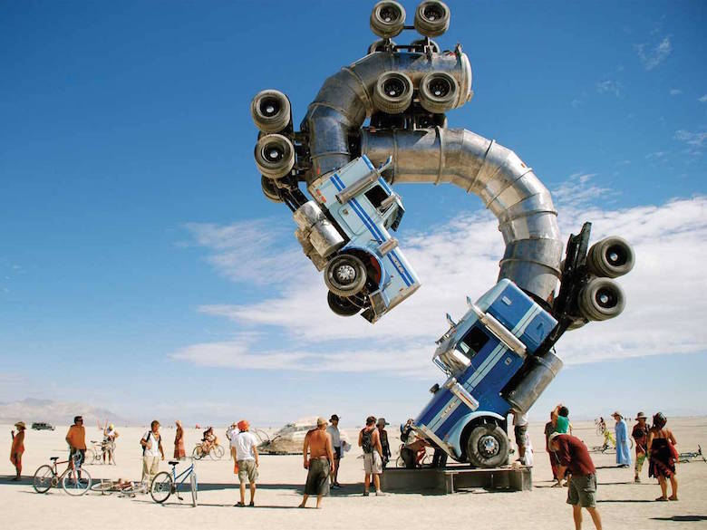 Sculptures that defy gravity & the laws of physics - 22