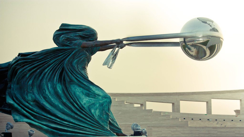 Sculptures that defy gravity & the laws of physics - 24