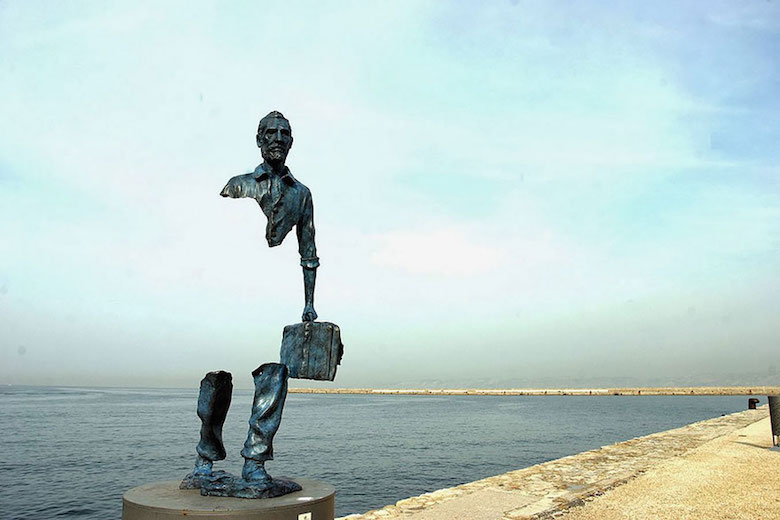 Sculptures that defy gravity & the laws of physics - 25