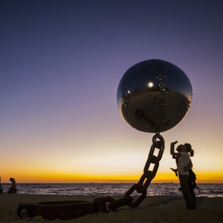 Sculptures that defy gravity & the laws of physics - 3