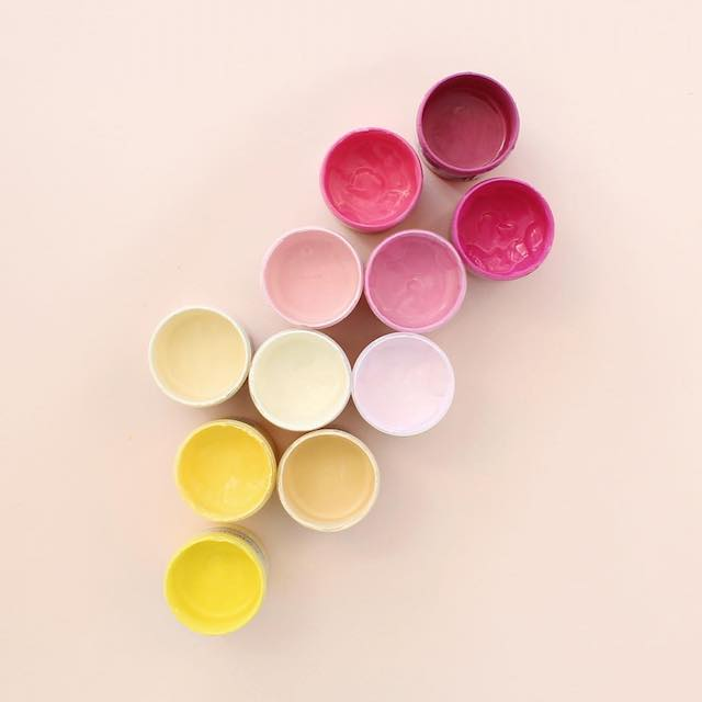 Beautiful photos of color gradients in everyday objects - 14
