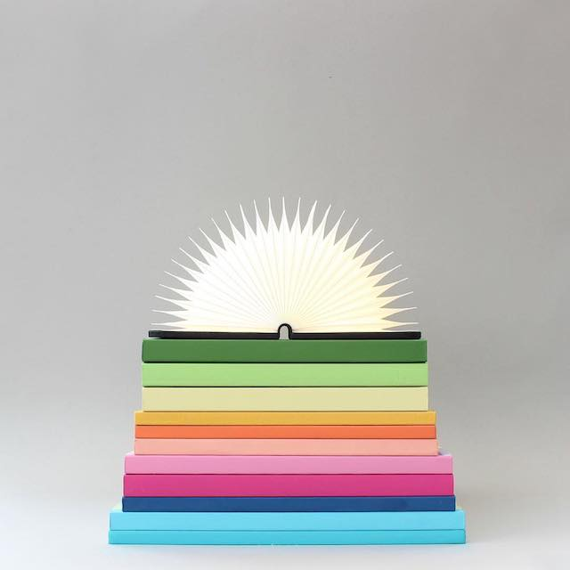 Beautiful photos of color gradients in everyday objects - 2