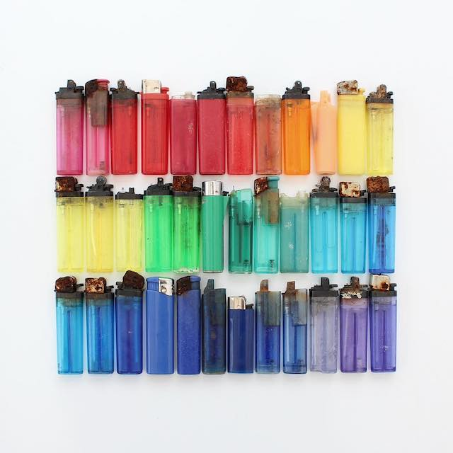 Beautiful photos of color gradients in everyday objects - 21