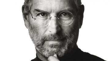 story-behind-steve-jobs-iconic-photo