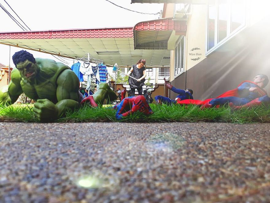 Forced perspective photography with toy superheroes - 17