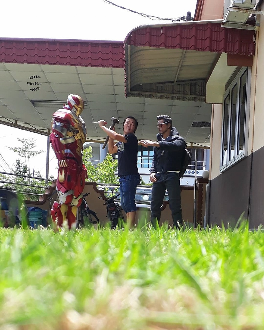 Forced perspective photography with toy superheroes - 2a