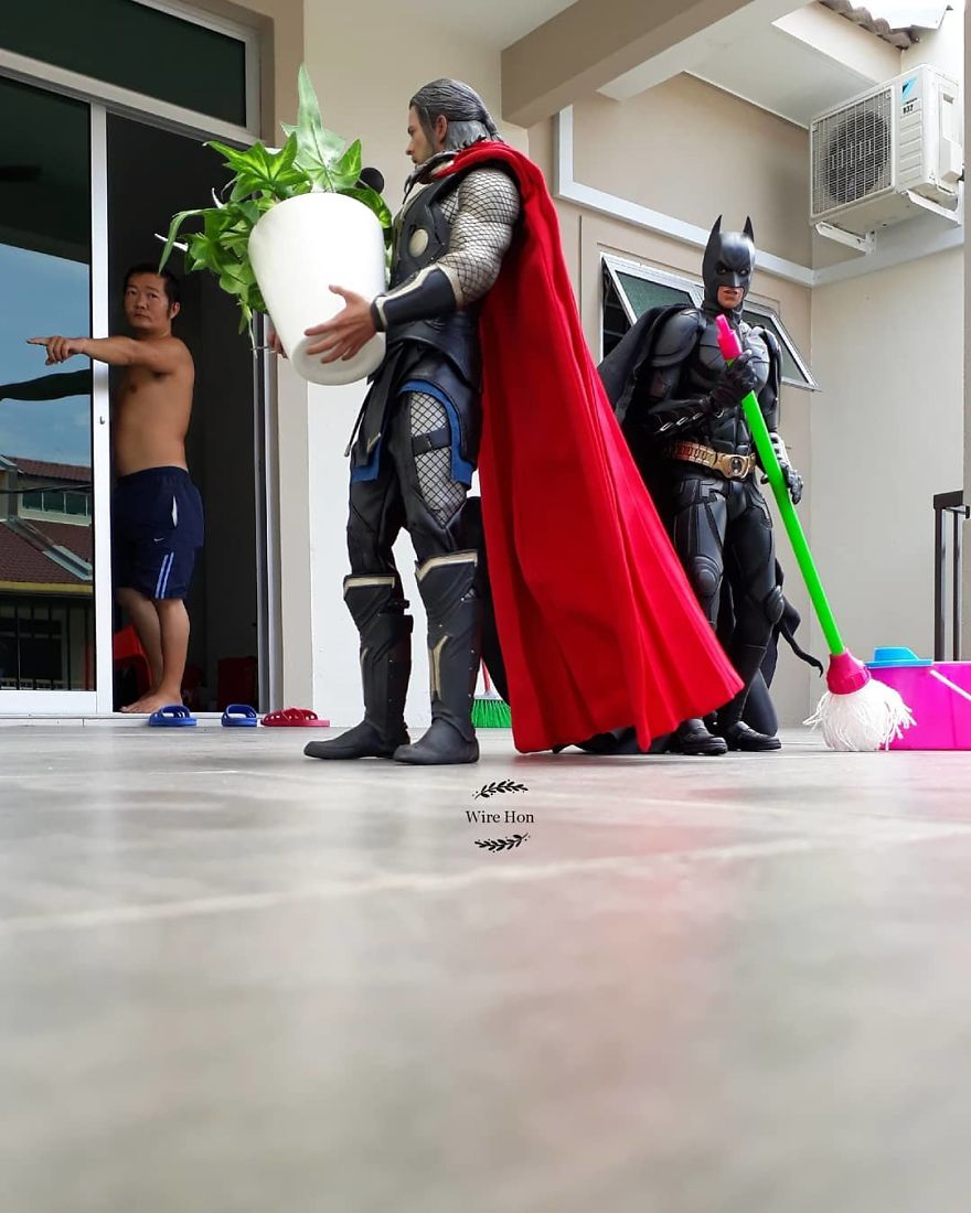 Forced perspective photography with toy superheroes - 4