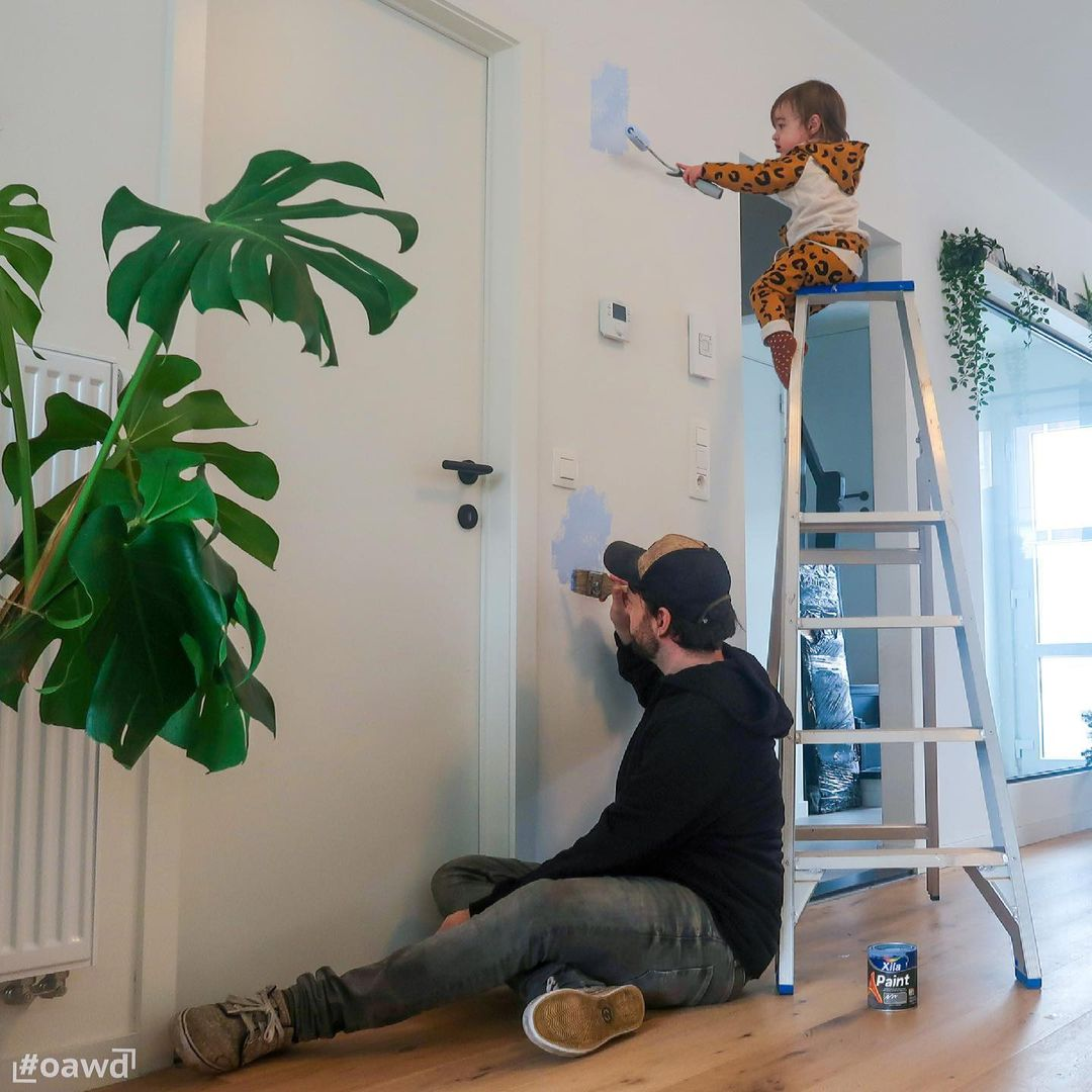 Dad photoshops his kids into dangerous situations to freak out girlfriend - 3