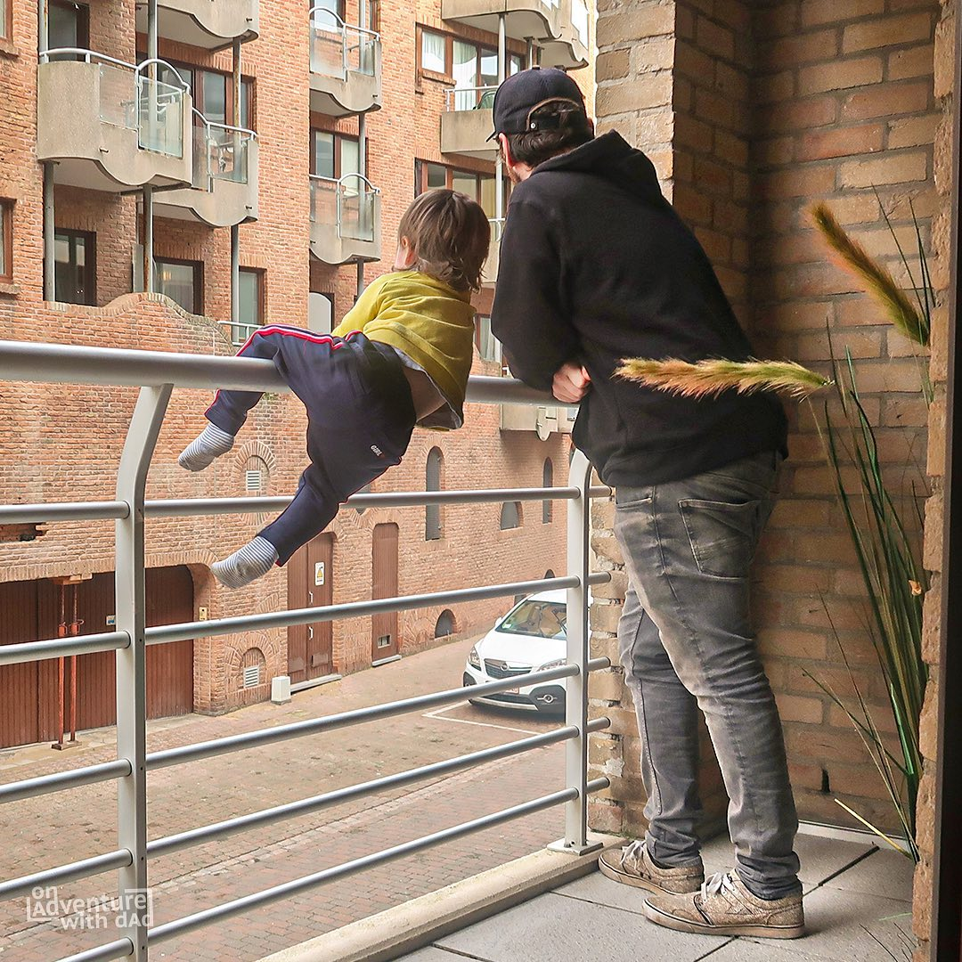 Dad photoshops his kids into dangerous situations to freak out girlfriend - 4